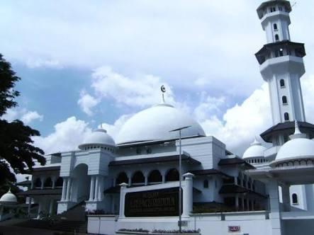 Masjid AR. Fachruddin menyelenggarakan shalat gerhana matahari, 9 Maret 2016 (foto: jamroji)