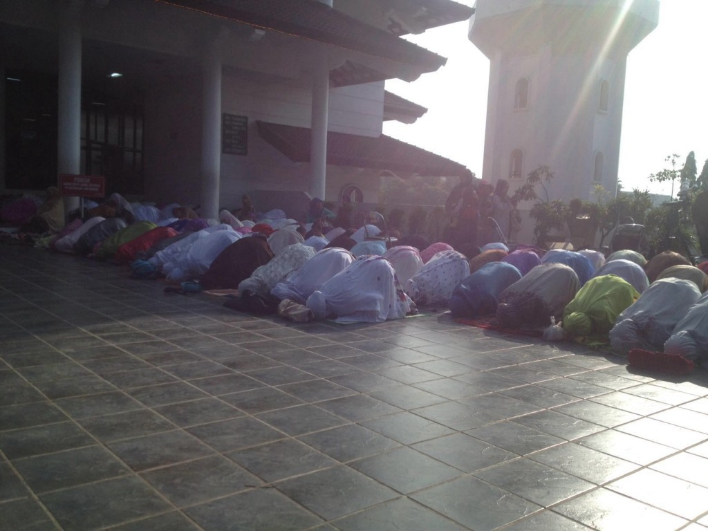 Salat Gerhana di Masjid A. R. Fachruddin UMM