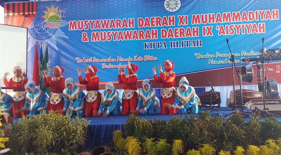 Tarian Saman Siswa SMK Muhammadiyah Kota Blitar (foto tahmid)