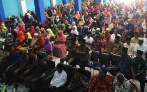 Warga Muhammadiyah Sepanjang yang menghadiri Tabligh Akbar oleh Ketua Umum PP Muhammadiyah, DR Haedar Nashir (foto: abdullah farisy)