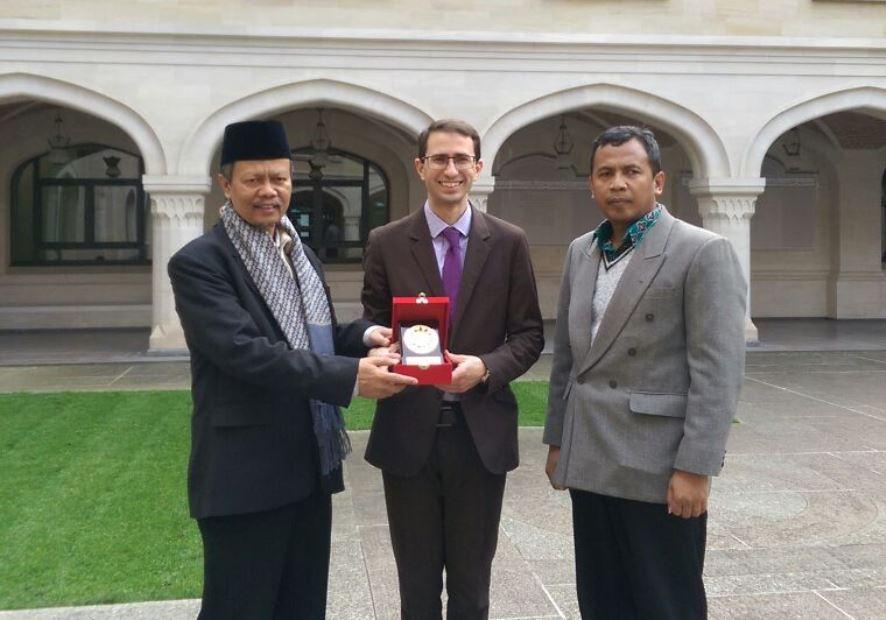 Islam Tertawa yang Bedakan Islam Indonesia dengan Timur Tengah