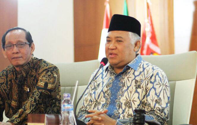 Prof Din Syamsuddin dalam acara Konsolidasi Organsasi PWM-PDM se-Jatim. (Foto: Nurfatoni/pwmu.co)