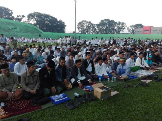 sholat Iedul Fitri di stadion Gajayana Malang. Penyelenggara PCM Klojen Kota Malang
