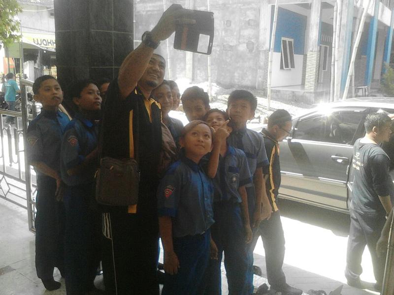 Kunjungi MIM 1 Ujungpangkah, Ini yang Dilakukan SMKA Malaysia