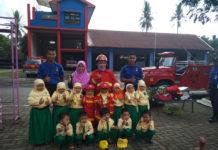 Serunya Anak-Anak TK ABA jadi Pemadam Kebakaran