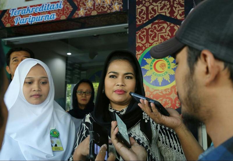 Medical Check Up, Puti Guntur Kagum Pelayanan RSI Aisyiyah Malang