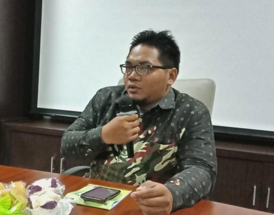 Cara viralkan berita ditemukan Syahroni Nur Wachid melalui riset kecil-kecilan, saat dia sakit sebulan akibat kecelakaan. Ini rahasia dia viralkan berita.