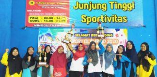 Sport Olympiad 2020 dibuka dengan pertandingan badminton antar-ibu guru dari 18 SD/MI Muhammadiyah se-Kabupaten Sidoarjo.