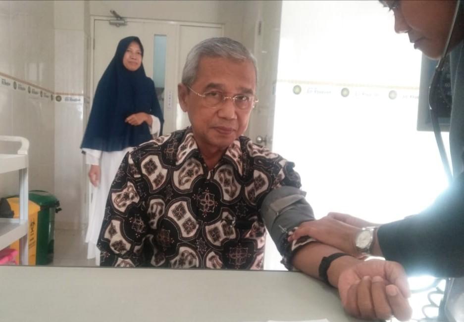 Busyro Muqoddas melakukan general check-up di RS Siti Khadijah sebelum berceramah di acara Muhammadiyah Sepanjang, Ahad (12/1/20) pagi.