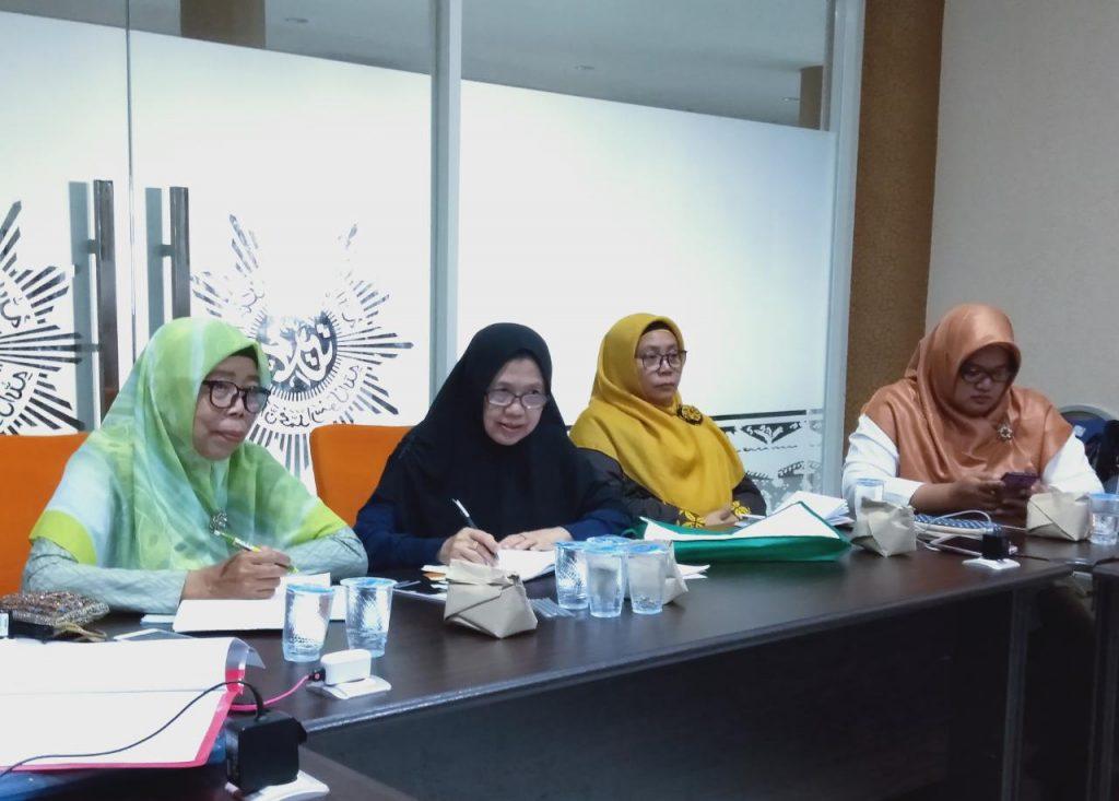 Ciri-ciri ibadurrahman dibahas dalam kultum Mas'udah jelang rapat bulanan Pimpinan Daerah Aisyiyah (PDA) Kabupaten Gresik.