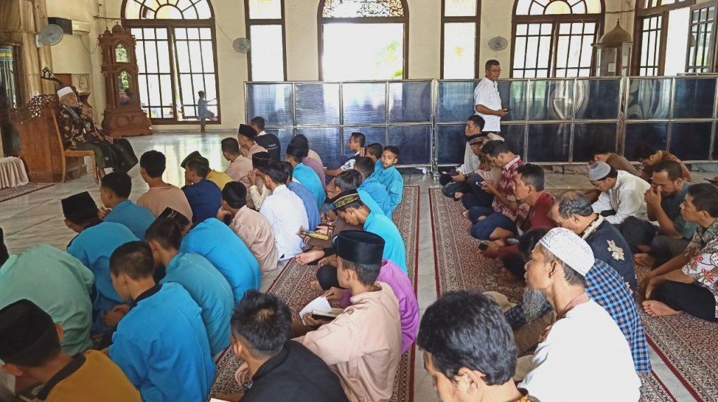 Hafalan Quran 107 santri Ponpes Karangasem Muhammadiyah Paciran Lamongan dikarantina dalam Program Daurah Tahfidzul Quran Angkatan XIII.