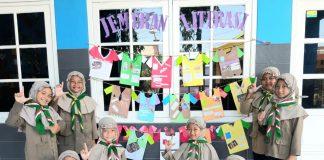 Mimdaka terus mengembangkan inovasi baru dalam budaya literasi. Terkini, mengajak para siswa membuat mading berbentuk jemuran pakaian.