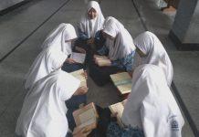 Spemutu Gresik kembangkan Program Tahfidh bersama pop. Sebanyak 105 siswa dites bacaan dan hafalan Alquran untuk mengikuti kegiatan ini.
