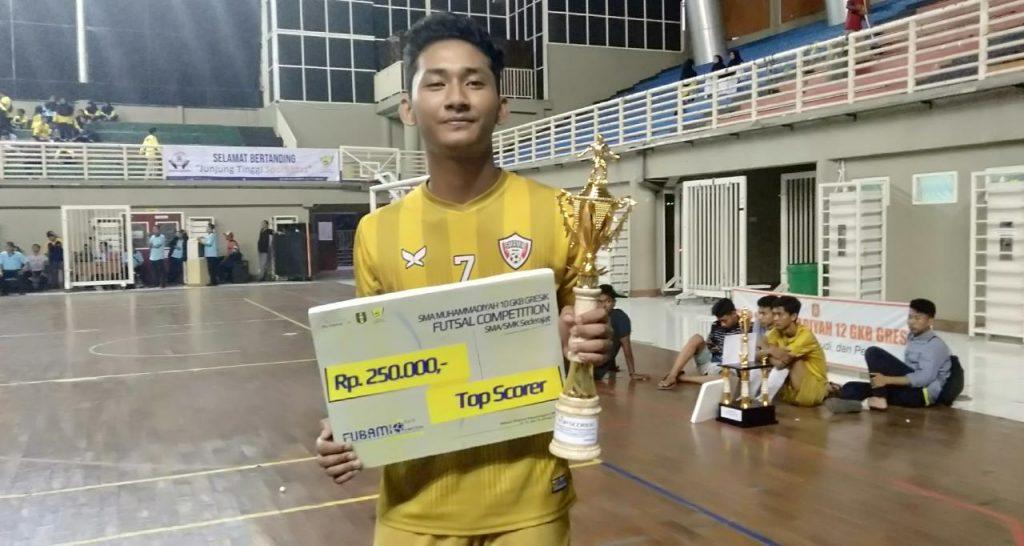 Top scorer Fubamio V diraih Fakhrizal Helmi Lazuardi siswa kelas X SMA Muhammadiyah 10 GKB (Smamio) Gresik. Dia berhasil mencetak 5 gol.