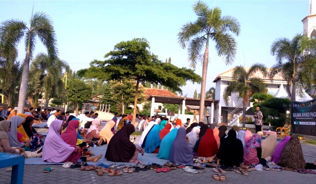 Marbot masjid termasuk orang-orang kecil yang disayang oleh Nabi SAW. Seperti yang disampaikan Nadjib Hamid di Masjid Al-Huda Balongpanggang, Gresik.