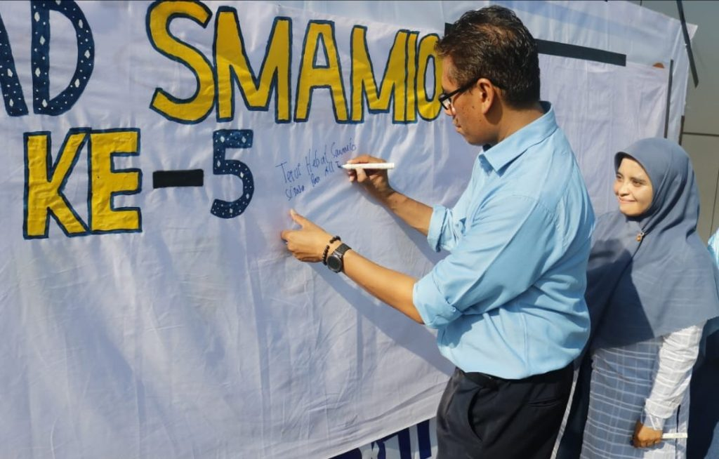Milad ke-5 Smamio mendapat perhatian Anggota DPR RI Fraksi PAN Prof Zainuddin Maliki. Dia mengirimkan ucapan selamat ulang tahun.