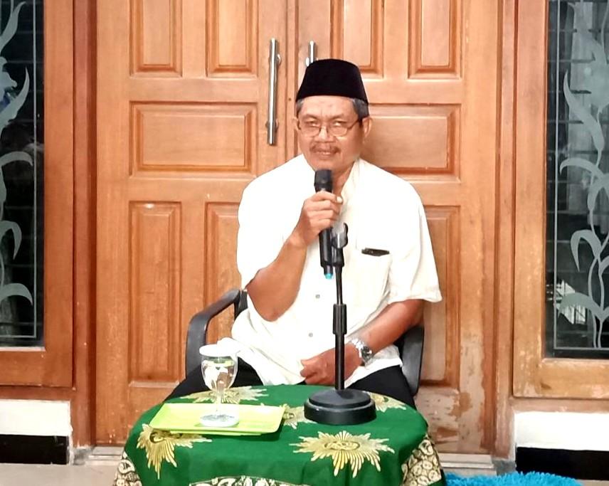 Jalan Pintas Menuju Surga adalah tema yang disampaikan Dr H AZ Fanani MAg dalam Pengajian Bulanan Pimpinan Ranting Aisyiah (PRA) Sidokumpul Gresik.