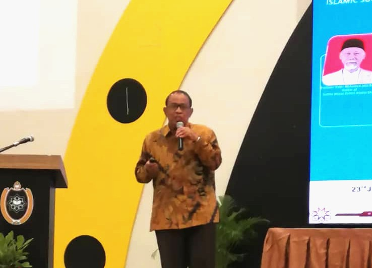 Habib Chirzin membeberkan pengalaman dakwah Muhammadiyah dalam sebuah konferensi internasional yang digelar IIIT-Unisza di Malaysia.
