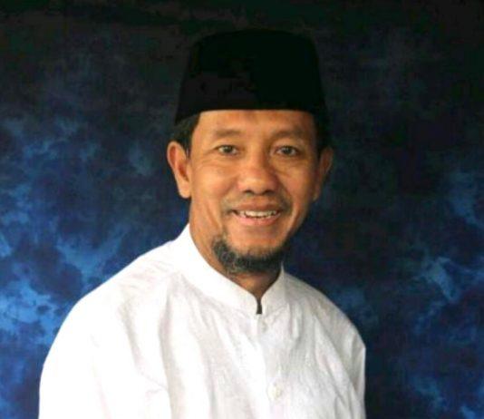 Tri Rismaharini, Wali Kota Surabaya, hari-har ini harus bertempur di dua front palagan politik sekaligus. Berikut kolom Dhimam Abror Djuraid, wartawan senior.