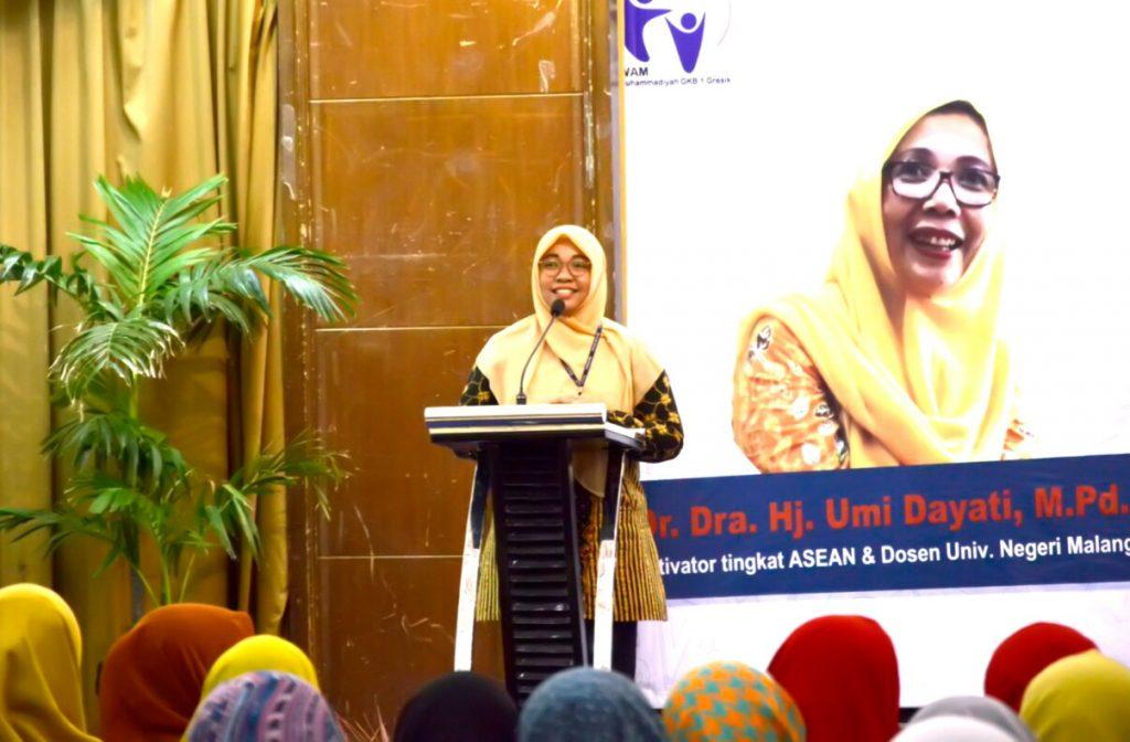 Ikwam SD Mugeb Gresik menggelar Smart Parenting Talkshow di Gedung Graha Sarana Petrokimia, Jalan Jendral A. Yani, Gresik.