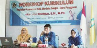 Kurikulum Merdeka Belajar yang digagas Menteri Pendidikan dan Kebudayaan Nadiem Anwar Makarim dikaji oleh guru SMPM 8 Benjeng dengan pemateri dari Spemdalas.