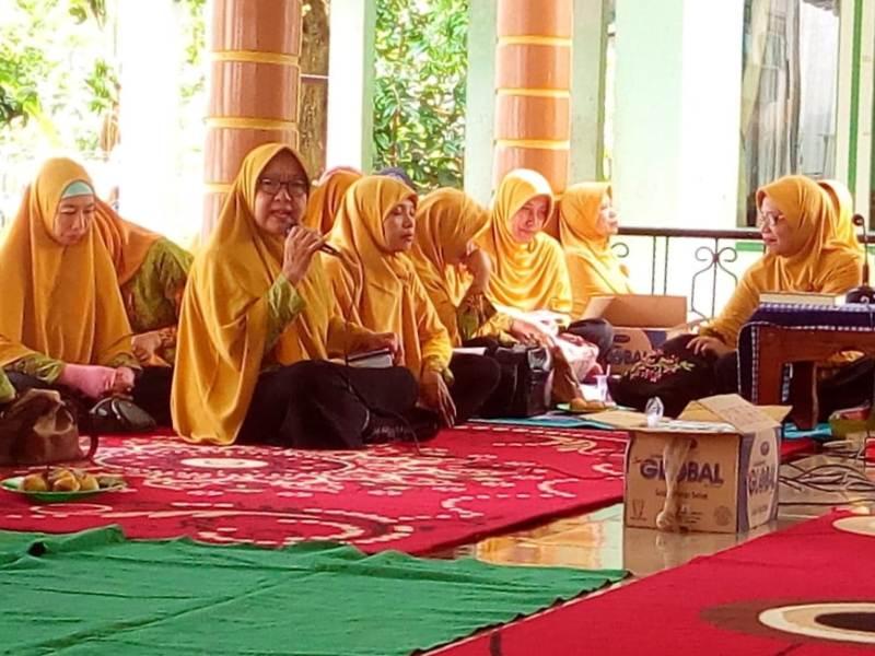 Kajian PCA Tanggul di Masjid Al Huda, Kramat Sukoharjo diisi kultum oleh Hj. Tutik Iriani.