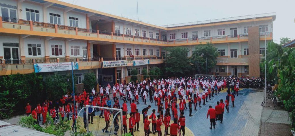 Jumat Trilogi diberlakukan di SMA Muhammadiyah 8 Gresik (Smamdelagres). Program baru ini terdiri atas tiga seri kegiatan yang dilaksanakan setiap Jumat.