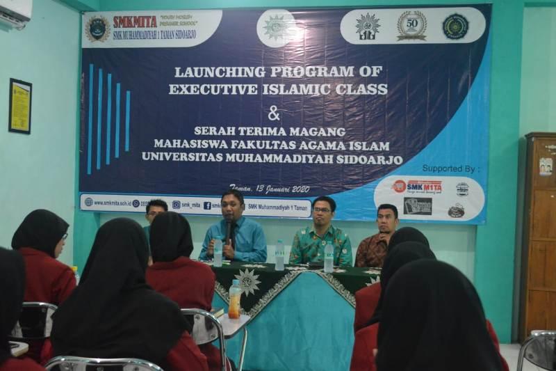Peluncuran program Executive Islamic Class di SMKM 1 Taman. (Anasrul/PWMU.CO)