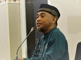Hukum Imunisasi menjadi pro dan kontra di kalangan masyarakat. Bagaimana sebenarnya? Berikut ulasan Direktur RS Aisyiyah Siri Fatimah Tulangan Sidoarjo, dr Tjatur Prijambodo MARS.