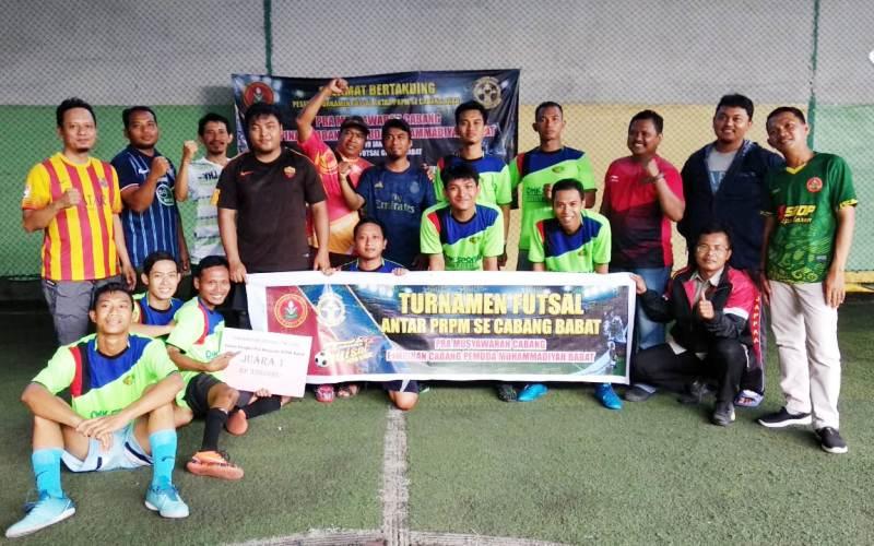Tim Futsal Ranting Pemuda Muhammadiyah Moropelang menjuarai Turnamen Futsal antar Ranting se Cabang Babat. (Hijrahyanto/PWMU.CO)