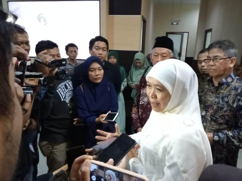 Gubernur Khofifah mengatakan Pemprov Jatim membuka posko pendaftaran Kartu Prakerja terdampak Covid-19.
