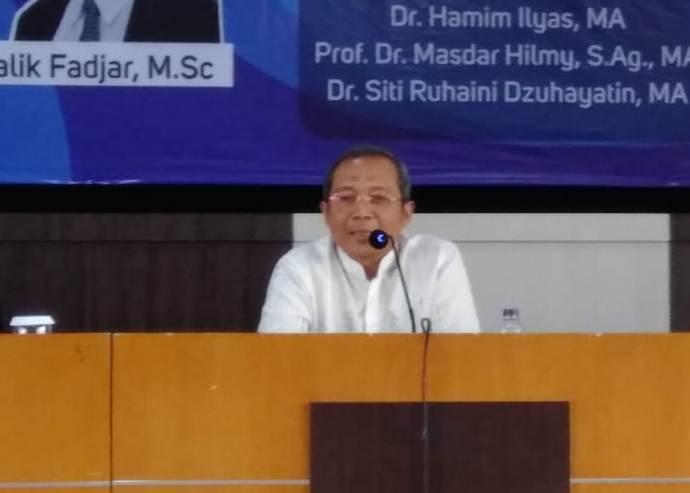 Hamim Ilyas menjelaskan Manhaj Gerakan Muhammadiyah di Seminar Pra Muktamar di UMM. (Uzlifah/PWMU.CO)