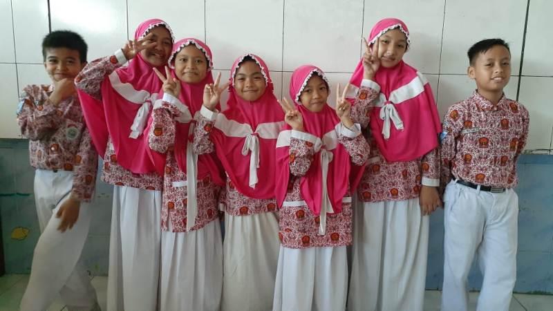 Tujuh siswa SDM 3 ICP Sumberrejo yang ikut lomba HAN tingkat kabupaten. (Khomsya/PWMU.CO)