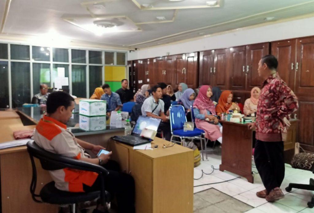Perlunya upgrade akad pembiayaan dan pendanaan di bank syariah disampaikan Dian Barkah dalam pelatihan internal BPR Syariah Daya Artha Mentari Bangil, Pasuruan, Sabtu (8/2/2020).