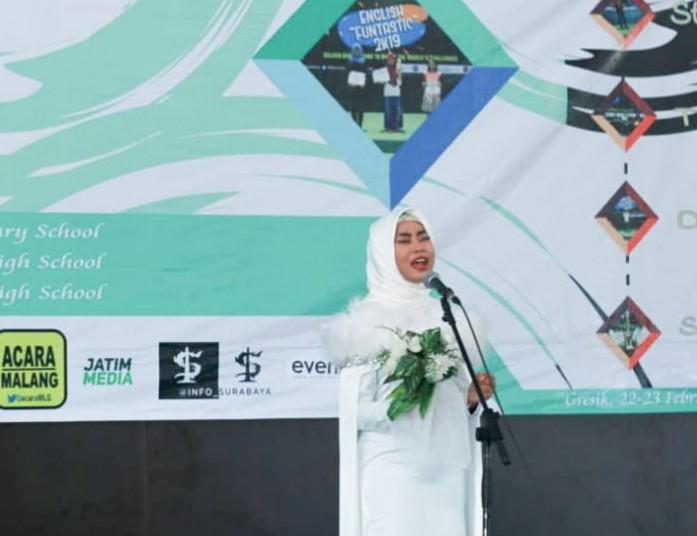 Siswa Smamdelagres (SMA Muhammadiyah 8 Gresik) meraih juara I dalam English Funtastic (EF) 2020 yang digelar Prodi Pendidikan Bahasa Inggris FKIP UMG (Universitas Muhammadiyah Gresik), Ahad (2/2/20).