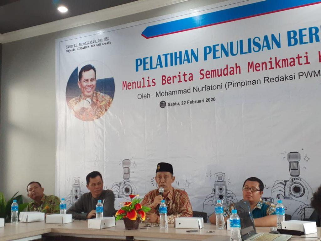 Sekolah Muhammadiyah GKB mencetak para marketer bidang berita melalui Pelatihan Jurnalistik, Sabtu (2/2/20).