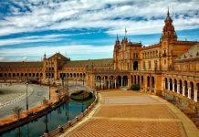 Jejak Islam di Andalusia, ekonomi yang menginspirasi dunia. Berbagai kegiatan ekonomi lahir dan besar di masa Abdurrahman Ad Dakhil bin Muawiyah.