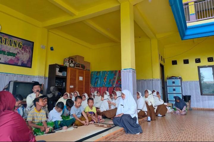 Melatih kepedulian siswa-siswinya, SMP Muhammadiyah 1 Sidoarjo (Musasi ) menggelar Outdoor Learning Activity (OLA) Social Day.