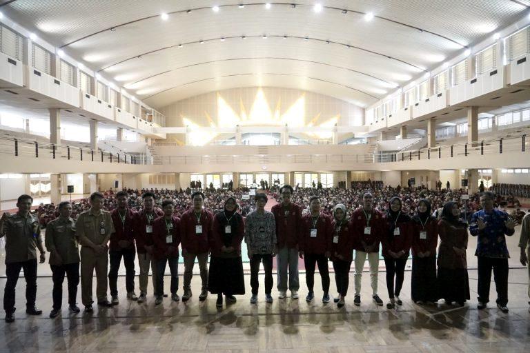 Universitas Muhammadiyah Yogyakarta mendapat peringkat kedua PTS se Indonesia versi 4ICU Uni-Rank. Civitas akademika menyambut gembira pengumuman itu.(Affan/PWMU.CO).