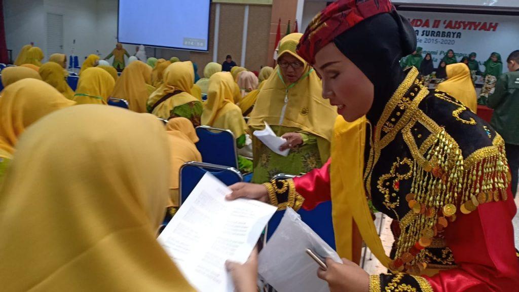 Padus PA Putri Aisyiyah II Kebonsari Surabaya tampil memukau pada pra acara Muspimda II Aisyiyah Kota Surabaya, Ahad (1/3/20).