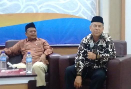 Berserikat dalam politik harus dilakukan Muhammadiyah. Selama ini Muhammadiyah mudah berserikat dalam membangun masjid, sekolah, panti asuhan dan lainnya.