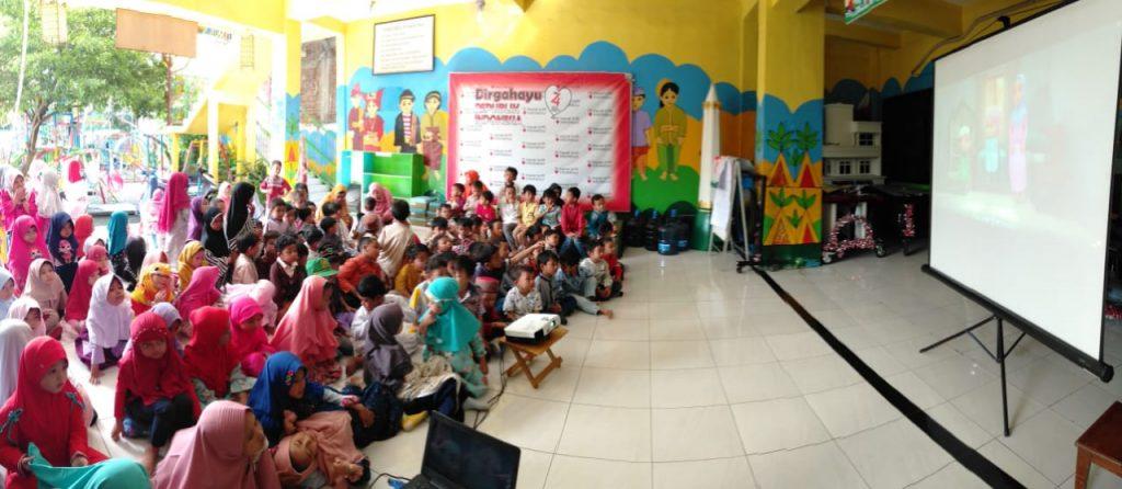 3 kegiatan Asyik TK Aisyiyah 36 PPI Gresik ini sangat dinikmati siswa dan orangtua yang terlibat: nobar, cooking class, dan fun games.