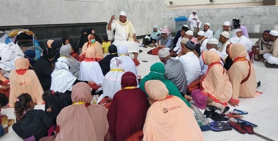 Kisah umrah dua jam sebelum larangan masuk Kota Makkah diberlakukan Arab Saudi karena wabah Virus Corona, menjadi pengalaman mengesankan jamaah travel Sahelia Umrah dan Halal Trip Surabaya. Berikut kisah Abdul Aziz, sang pembimbing sekaligus ouwner-nya.
