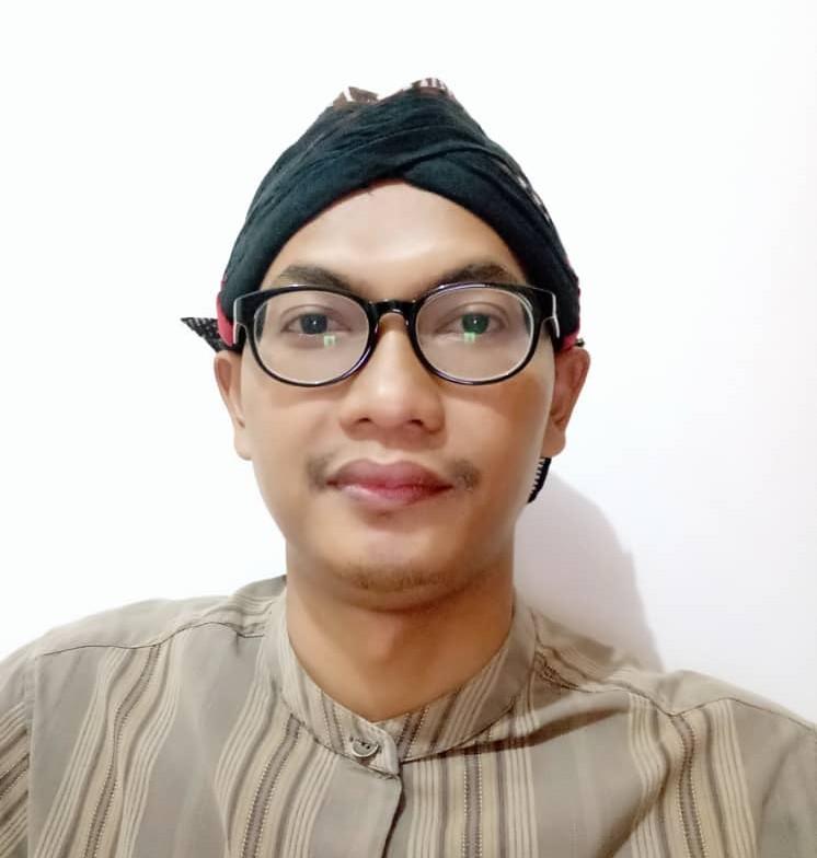 Begini Negeri Jiran Tangani Wabah Corona ditulis oleh Moh. Mudzakkir, warga Indonesia yang sedang studi S3 di Universiti Sains Malaysia.