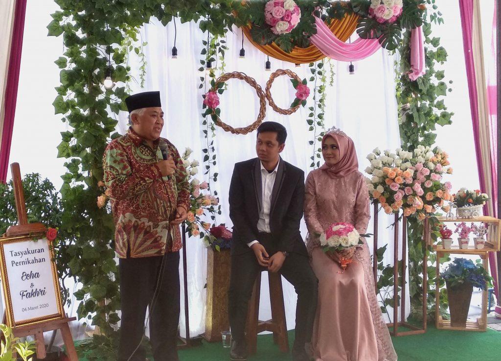 Pak Din: Selesaikan di atas sajadah. Bukan di tempat makan atau di ranjang. Itulah pesan Din Syamsuddin pada suami istri yang sedng ada masalah.