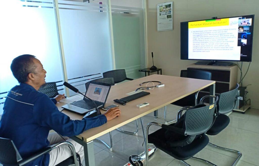KBM dengan video conference ala Smamio diterapkan untuk menghindari tatap muka langsung demi meminimalisasi penyebaran virus Corona.