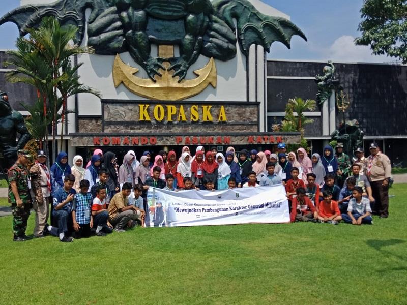 IPM Spemdalas mengadakan LDKS di Dinas Penerangan (Dispen) Koarmada II Surabaya, Rabu-Jumat (11-13/3/20). Kegiatan ini diikuti 54 siswa.