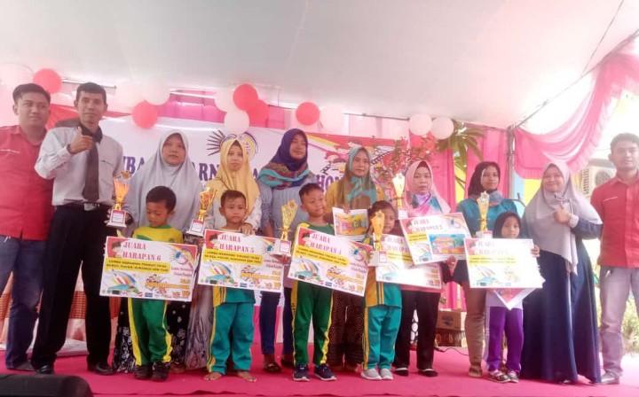 Lomba mewarnai dan open house tingkat TK/RA digelar oleh SD Muhammadiyah (SDM) 1 Pucuk untuk menjaring siswa baru di halaman SDM 1 Pucuk, Lamongan.