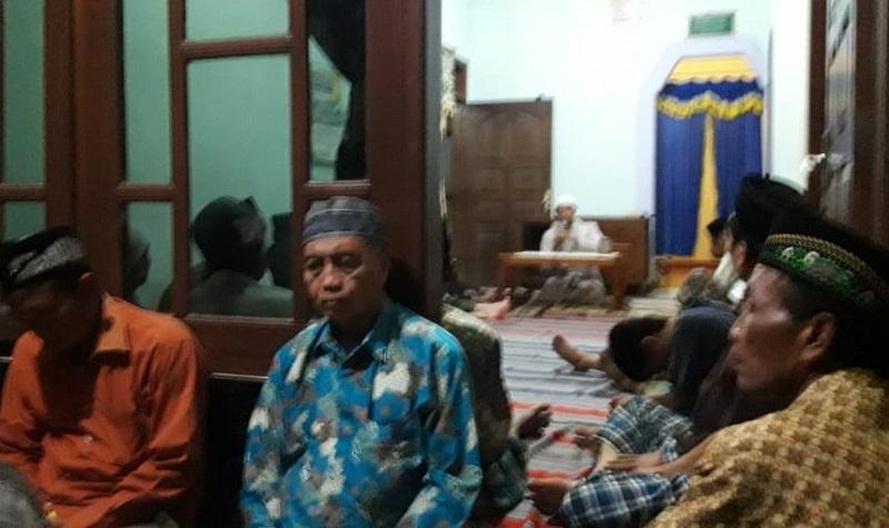 PRM Cangaan Kanor Bojonegoro membahas memurnikan aqidah dalam pengajian rutin. Dalam pengajian tersebut dijelaskan juga ghirah ber-Islam, Sabtu (7/3/20).