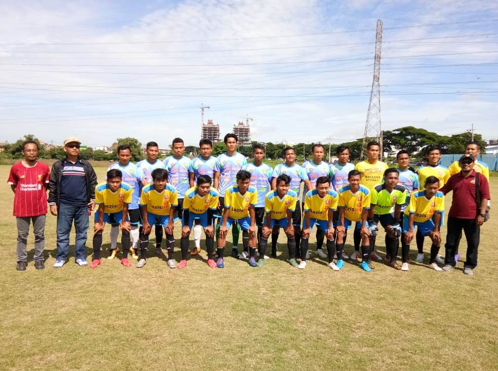PSHW Babat jajal PSHW Jatim, seru! Pertandingan uji coba tersebut berlangsung di Lapangan Sepak Bola Universitas Negeri Surabaya (Unesa), Ahad (8/3/20).
